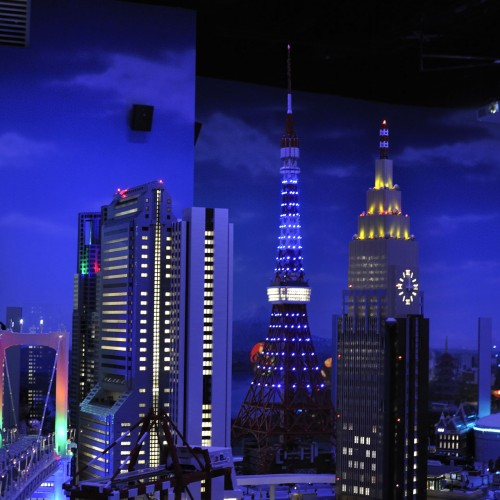 レゴランド・ディスカバリー・センター東京でブロックと戯れる