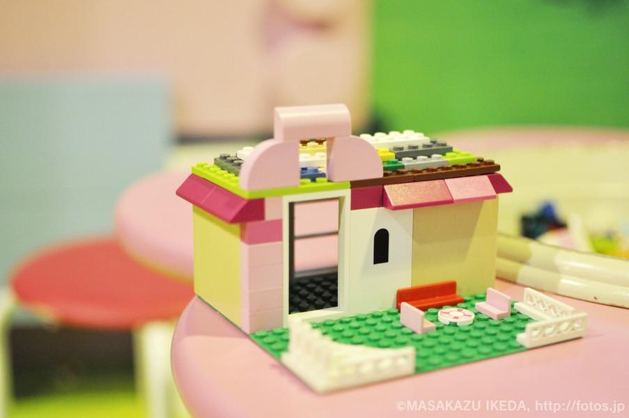 レゴブロックでおうち