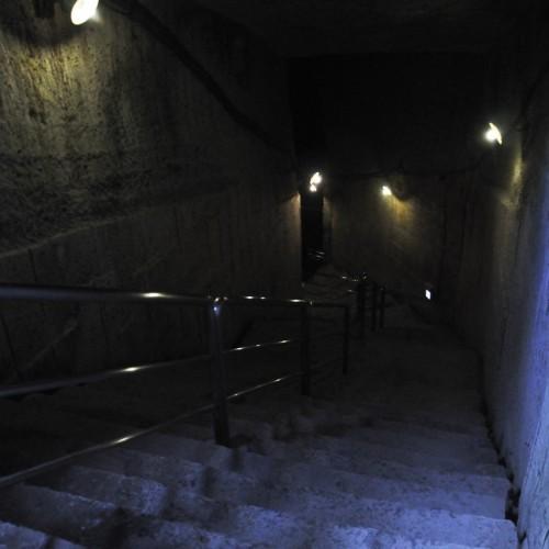 坑道入り口から