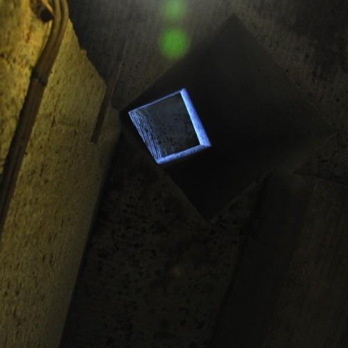 坑道内の空気穴