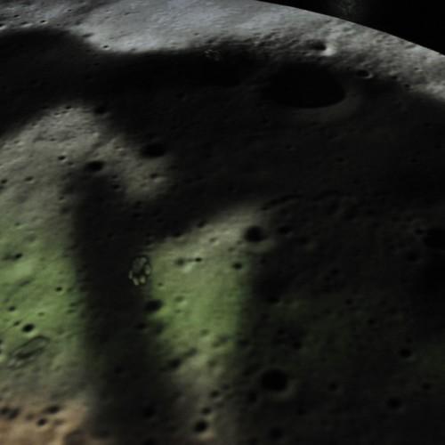 月面に影が・・・
