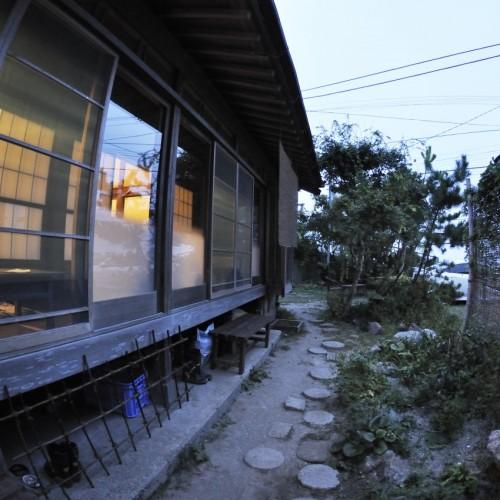 お茶の間ゲストハウス縁側