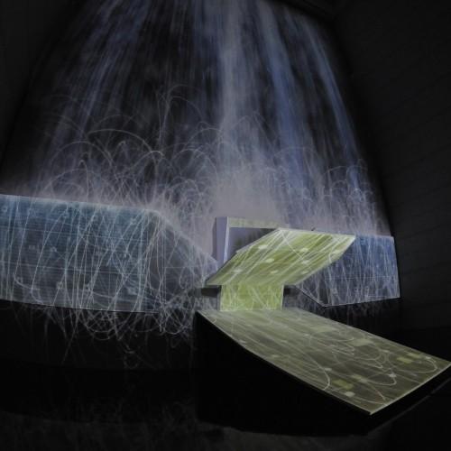 チームラボ 憑依する滝、人工衛星の重力/ Universe of Water Particles under Satellite's Gravity