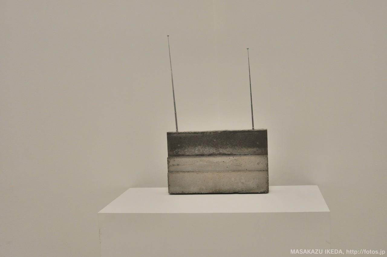 イザ・ゲンツケン《世界受信機》