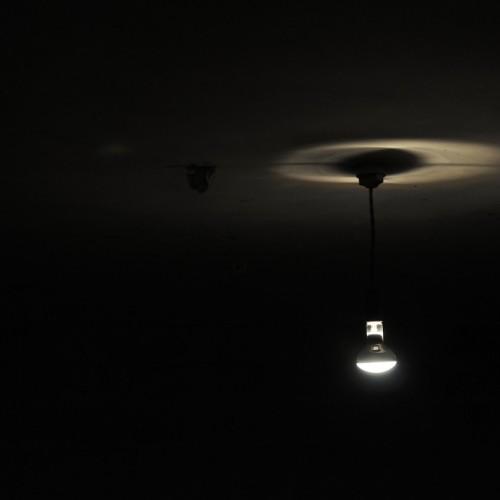 グレゴール・シュナイダー《ジャーマン・アンクスト》の照明
