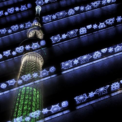 東京スカイツリータウンのイルミネーションを多重露光撮影で遊ぶ。