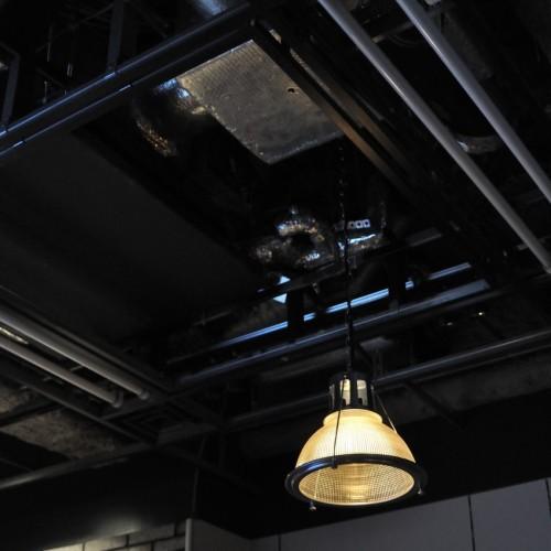 21Cafe天井ランプ