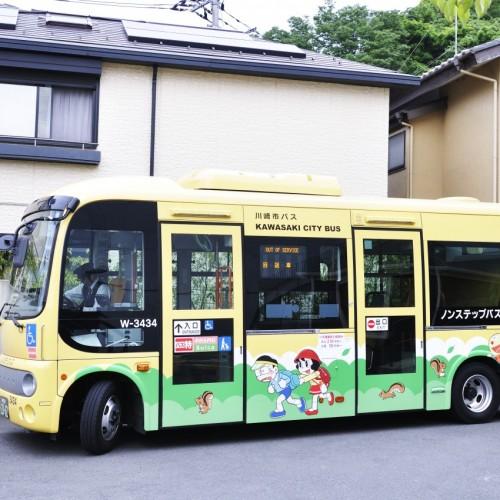 川崎市バス(藤子・F・不二雄キャラクター外装)