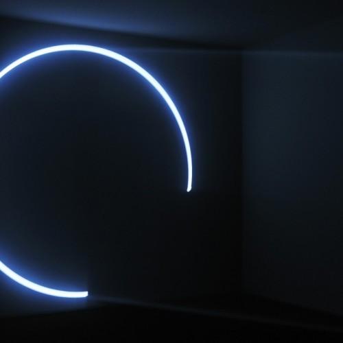 アンソニー・マッコール《円錐を描く線》