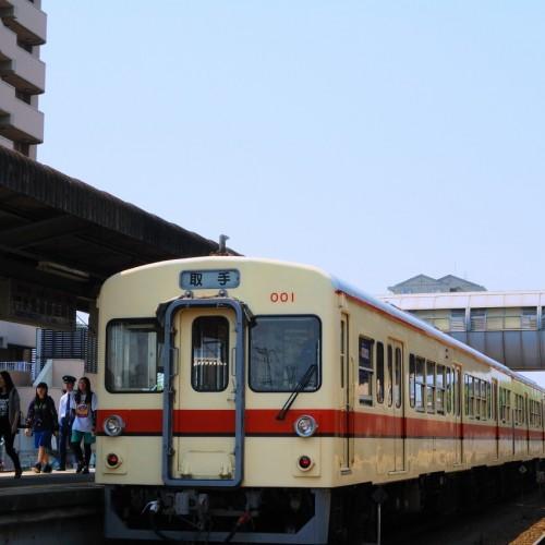 常総線列車・水海道停車中