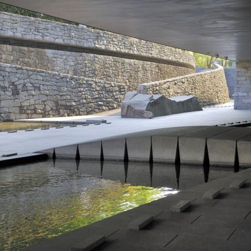 東京都現代美術館 半屋外