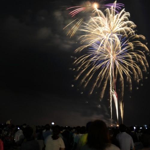 サザンビーチちがさき花火大会の打ち上げ花火 風景写真