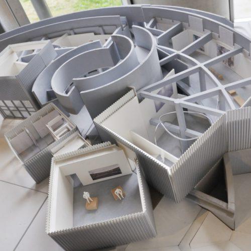 市原湖畔美術館の模型