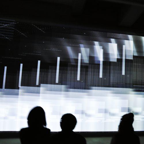 市原湖畔美術館でカールステン・ニコライ:Parallax パララックス展を鑑賞